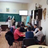 """În cadrul proiectului """"Școli prietenoase în comunități implicate"""" au fost organizate 12 cluburi de educație non-formală"""