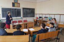 """În cadrul proiectului """"Școli prietenoase în comunități implicate"""" au fost organizate 12 cluburi de educație non-formală, la Iași"""